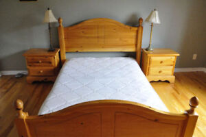Ensemble de lit double complet - Full double sized bed ensemble