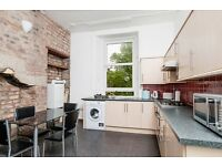 STUDENTS 17/18: Spacious 4 bed flat with exceptional storage in Morningside available August NO FEES