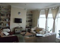 2 Bedroom Flat to Rent in Green Lanes N13 4TN ===PART DSS WELCOME===