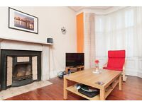 STUDENTS 17/18: 2 bedroom 2nd floor flat in Newington with WiFi available September – NO FEES!