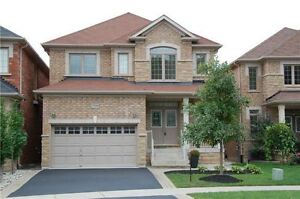 Well Maintained New House in Premium Oakville Community