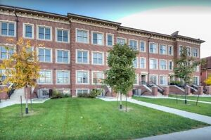 Available Today: Summer Sublet In The Heart of Western Campus