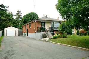 3+2 whole House for rent in Richmond Hill. Bayview/Elgin Mills