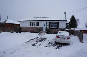552 GRENVILLE AVE - $279,900 - NEW LISTING!