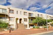 Room to rent in fully furnished spacious Townhouse WODEN Phillip Woden Valley Preview
