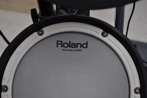 **GREAT PRICE** ROLAND TD-4 PERCUSSION SOUND MODULE