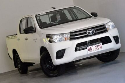 2016 Toyota Hilux GGN120R SR Double Cab White 6 Speed Sports Automatic Utility