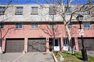 Muskoka In Mississauga! Spotless 3-Bdrm,2-Bath Townhouse
