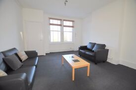 A NEWLY DECORATED AND LARGE TWO BEDROOM FLAT IN CROUCH END N8