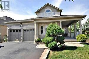 1016 Broughton Lane Newmarket Ontario Great  Home for sale!