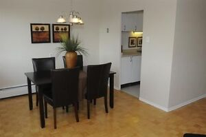 2 Bedroom minutes to downtown (Thompson & Pond Mills)