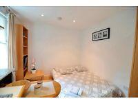 -Recently refurbished modern studio in West Kensington