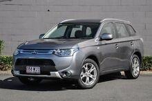 2014 Mitsubishi Outlander ZJ MY14.5 ES 4WD Grey 6 Speed Constant Variable Wagon Main Beach Gold Coast City Preview
