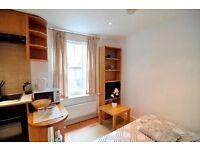 Studio flat in Fairholme Road, West Kensington, W14