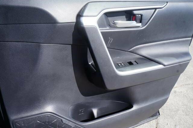 Image 17 Voiture Asiatique d'occasion Toyota RAV4 2019