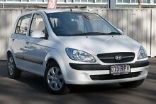 2010 Hyundai Getz TB MY09 S Noble White 5 Speed Manual Hatchback Main Beach Gold Coast City Preview