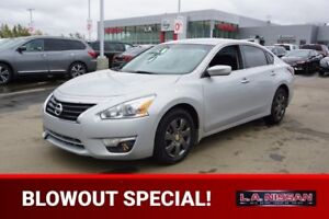 2015 Nissan Altima 2.5 SPORT Accident Free,  Bluetooth,  A/C,