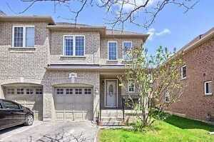 Executive End-Unit Townhouse in Newmarket (entire house)