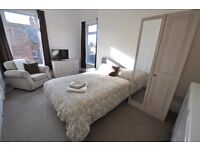 Lovely en suite room in fab shared house on Holderness Rd HU8 op Tesco, near Sutton Fields and Docks