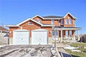 Fantastic Detach House In A Desirable St. Premium Lot, Bradford