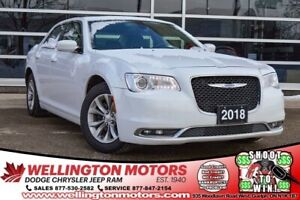 2018 Chrysler 300 300 Touring / Leather / GPS / Pano Sunroof ...