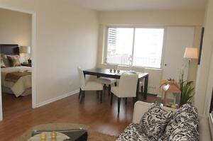 Prime Downtown! Bright-Spacious-Upgraded Kitchen!
