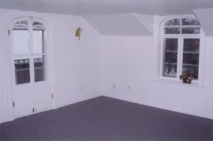Cobourg  large 3 bedroom apartment