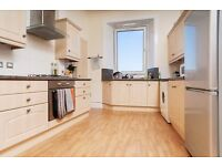 Beautiful top floor traditional build 2 bed flat with fantastic views available April - NO FEES!