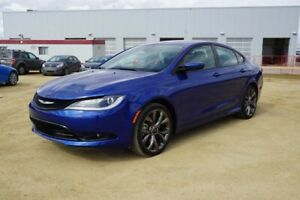 2015 Chrysler 200 S V6 Accident Free,  Heated Seats,  Back-up Ca