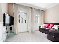 Very bright and stylish 3 bed main door HMO flat with 2x ensuites & large lounge available September