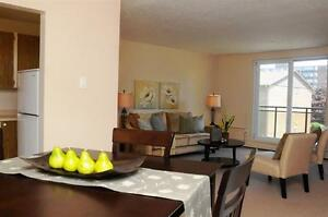 Family Friendly! Comfort+Convenience+Park Setting! London Ontario image 2