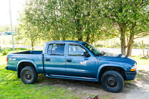 2003 Dodge Dakota SLT Pickup Truck