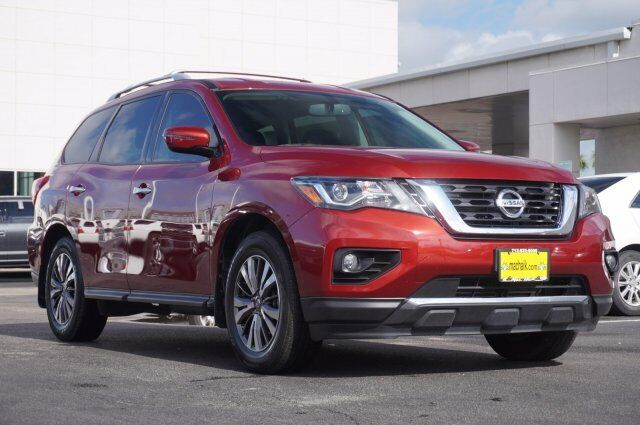Owner 2017 Nissan Pathfinder Sv 27307 Miles Cayenne Red Metallic Sport Utility Regular