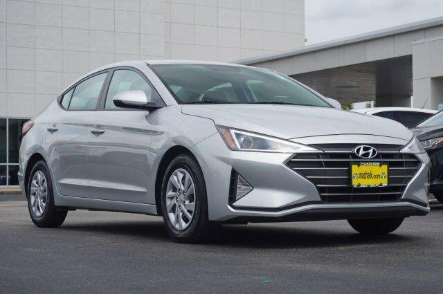 Owner 2019 Hyundai Elantra Se 18749 Miles Symphony Silver 4dr Car Regular Unleaded I-4