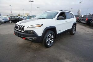 2017 Jeep Cherokee 4X4 TRAILHAWK Accident Free,  Heated Seats,