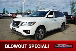 2017 Nissan Pathfinder 4X4 SV Heated Seats,  3rd Row,  Back-up C