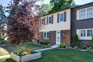 Move In Condition!! 3 Bdrm Condo Townhouse W/ Fin'd Bsmnt