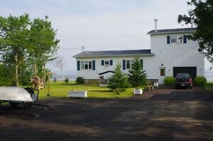 Water front house/Maison bord de l'eau