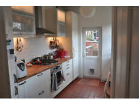 Homely, spacious 3 bed property in lovely Levenshulme available for rent