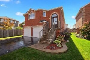 Beautiful and Bright Upper Level In a Fully Detached House