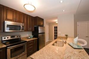 2 BR + Den - Larry Uteck Bright-Open Concept Dog Friendly!