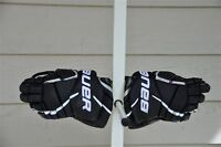 Hockey gloves/ Helmets/ Shin, Elbow & Shoulder pads