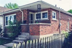 Beautiful 3 bedroom house for rent in central location