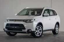 2015 Mitsubishi Outlander ZJ MY14.5 ES 4WD White 6 Speed Constant Variable Wagon Robina Gold Coast South Preview