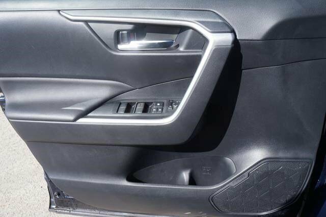 Image 6 Voiture Asiatique d'occasion Toyota RAV4 2019