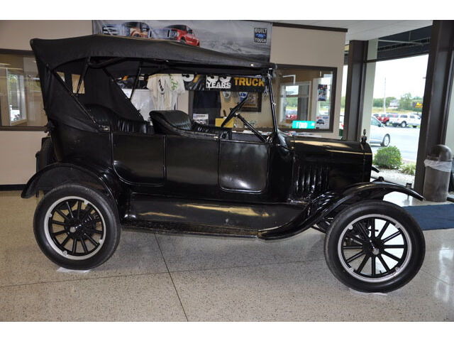 Ford : Model T 1924 Ford Model T Touring Car