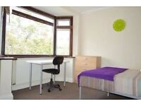 Nice and comfortable double bedroom near University in New Cross Gate!