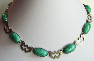 GREAT-VINTAGE-ART-DECO-STERLING-MARBLED-GREEN-ART-GLASS-CABOCHONS-NECKLACE