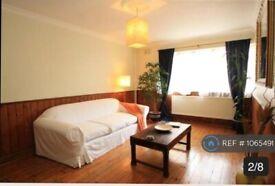 2 bedroom flat in Arlington Lodge, London, SW2 (2 bed) (#1065491)