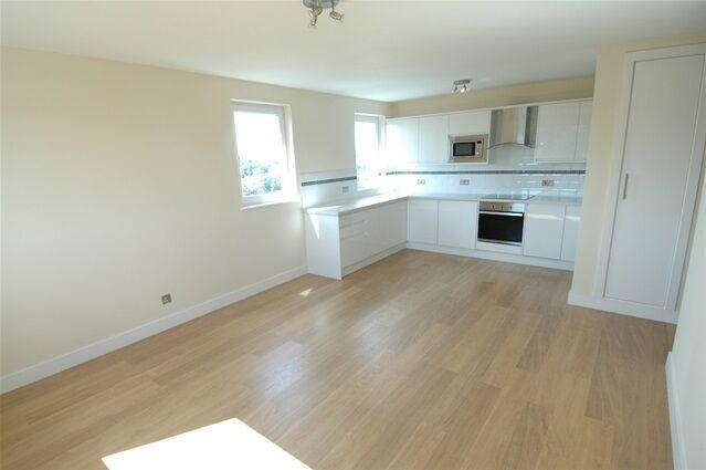 2 bedroom flat in Keats House, Porchester Mead, Beckenham